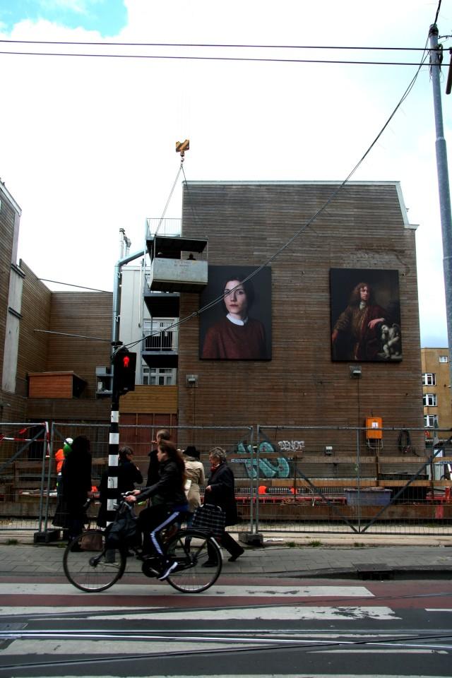 Het portret van Mirjana Vrbaski met de oude Meester aan de Ferdinand Bolstraat